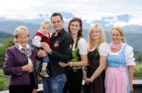 Gastgeberfamilie in der Alpenrose