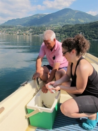 Familie Aniwanter beim Fischen